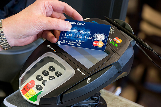 Обзор карточки с функциями PayPass от MasterCard